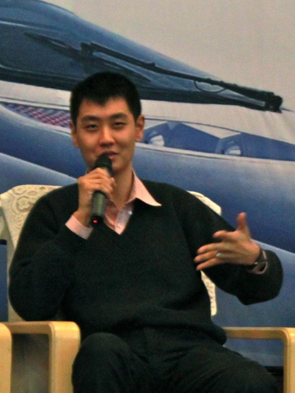 DF Speaking Beijing 2012 03 Panel Vert